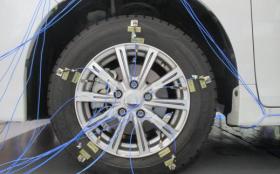 自動車の足回りの振動モード測定